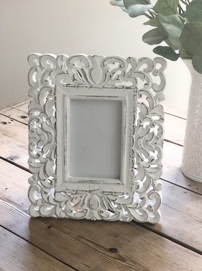 100-RH Small ornate Carved Frame
