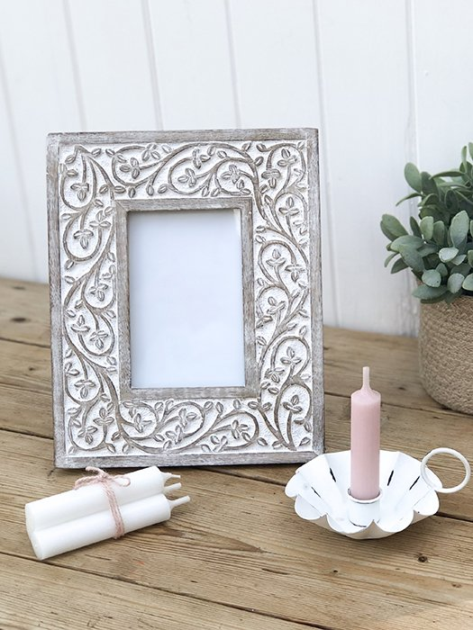 106- RH Leaf Carved Frame