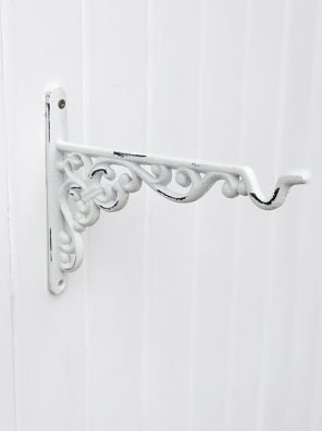 57-CA Ornate Hanging Bracket
